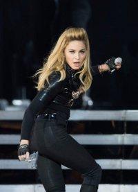 В Лондоне провалился концерт Мадонны. Из-за комендантского часа
