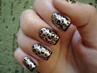 Красивая идея леопардового маникюра