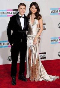 Джастин Бибер и Селена Гомес самые популярные персоны в интернете