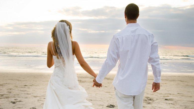 Небанальная  свадебная прогулка