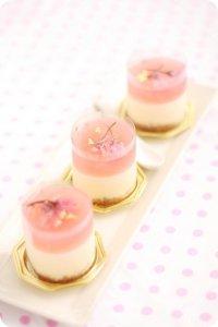 Легкий десерт «Сакура»