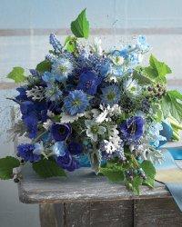 Эклектический голубой букет