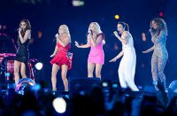 Spice Girls выступили на закрытии Олимпийских игр