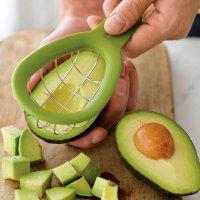Полезные предметы на кухне: нож для нарезания авокадо