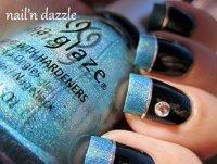 Идеи для маникюра: голографический голубой френч