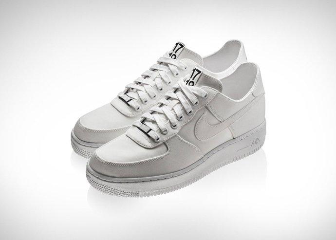 Лимитированная коллекция кроссовок Dover Street Market X Nike