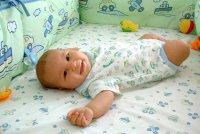 Уход за волосами младенца: избавляемся от корочек