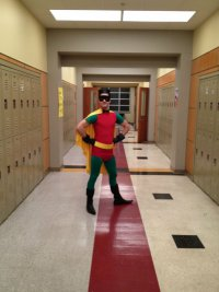Новые фото со съемок 4 сезона Glee: атака супергероев