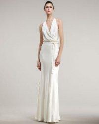 Прямое свадебное платье с пояском