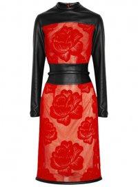 Черно-красное платье от Кристофера Кейна