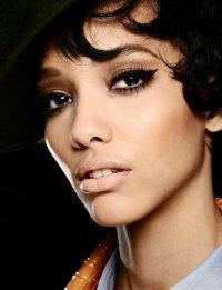 Осенние тенденции макияжа: стрелки на глазах от Dsquared2