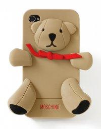 Чехол-медвежонок от Moschino специально для FNO 2012