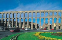 5 самых захватывающих акведуков: акведук в Сеговии