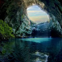 Пещеры Мелиссани
