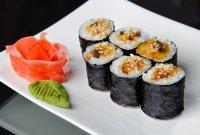 Суши-роллы унаги-маки