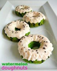 Идеи для украшения пончиков: арбузные пончики