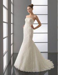 Свадебное платье силуэта русалка с кружевом
