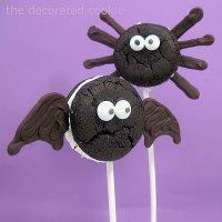 Идеи для украшения печенья: паук и летучая мышь