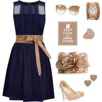 Темно-синее  платье с бежевыми аксессуарами