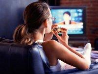 Несколько способов похудеть: еда перед телевизором