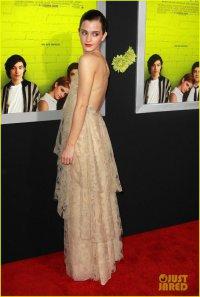 Эмма Уотсон на лос-анджелесской премьере фильма «Хорошо быть тихоней»