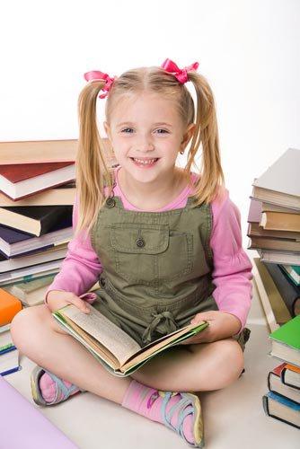 Как привить ребенку любовь к чтению: поход в книжный магазин