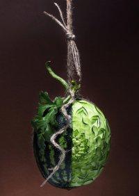 Карвинг из арбуза: висящая ягода