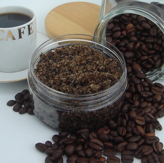 Кофейный скраб для губ