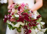 Букет невесты с клематисами