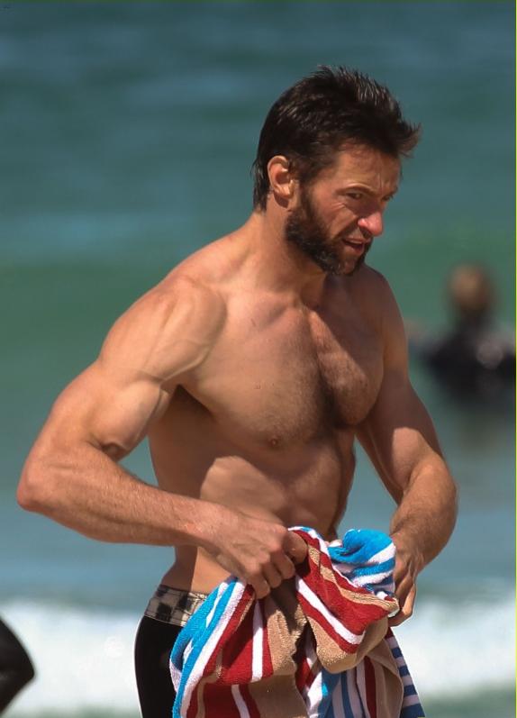 Хью Джекман на пляже в Сиднее