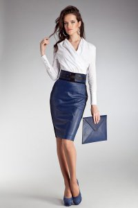 Стильный офисный наряд в сине-белой гамме