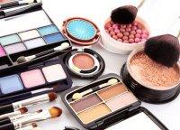 Правила хранения косметики: как хранить тени, румяна и пудру?