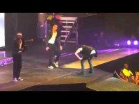 Джастина Бибера стошнило на сцене (видео)