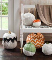 Идеи для дома на Хэллоуин: тыквы с узорами