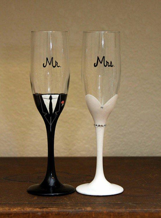 Простая идея для свадебных бокалов