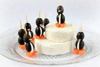Пингвинчики из маслин с сыром