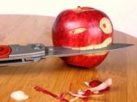 Истоки суеверий: почему нельзя есть с ножа