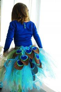 Костюм для ребенка на Хэллоуин своими руками: павлин