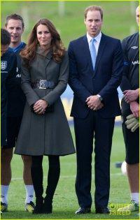 Принц Уильям и герцогиня Кэтрин на открытии футбольного центра