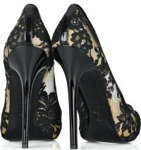 Симпатичные туфли с кружевами
