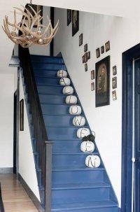 Тыквы на лестнице