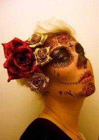 Макияж на Хэллоуин: сахарный череп с цветами