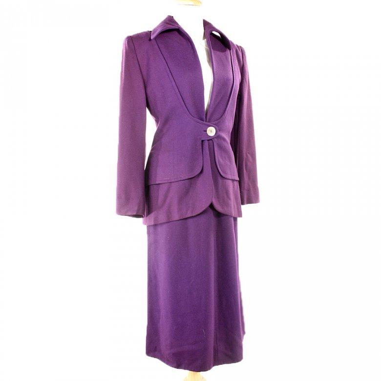 Какой цвет делового костюма выбрать: фиолетовый