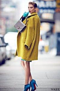 Яркое пальто - хит сезона