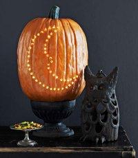 Идеи для дома на Хэллоуин: тыква с полумесяцем