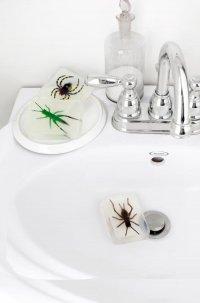 Мыло с жуками - оригинальное украшение ванной на Хэллоуин