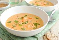 Суп с креветками, томатной пастой и молоком