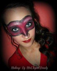 Макияж на Хэллоуин: леди в красном