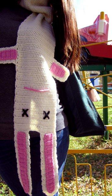 Вязаный шарф «Белый кролик»