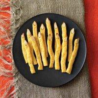 Блюда на Хэллоуин: сырные «Пальцы ведьмы»